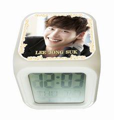 イ・ジョンソク韓国製カラーチェンジアラーム光デジタルキューブ置時計01/イジョンソク