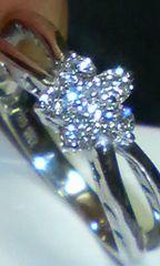 正規ポンテ・ヴェキオ上質ダイヤのフラワーリング