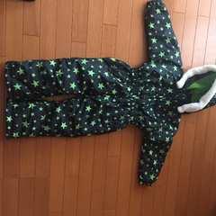 美品。ジャンプスーツ。星柄110雪遊び
