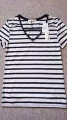 ☆新品AZUL by moussy白×黒VネックボーダーTシャツ☆S