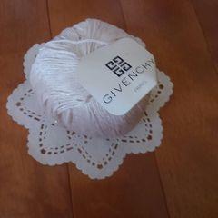 未使用コットン毛糸 GIVENCHYジバンシィ ラメホワイト系 40g玉巻き