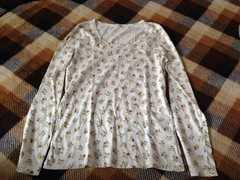 新品3can4on白色ホワイト小花柄長袖トップスカットソー