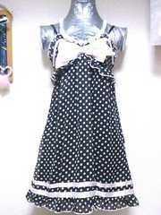 トゥララ水玉ドット柄シースルーシフォンフリルバイカラーサテンリボンエプロン風キャミワンピ黒ピンク