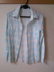 タグ違い 水色チェックシャツ