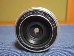 OLYMPUS �I�����p�X M.ZUIKO 17mm F2.8 �V���o�[�@�{�̂̂�