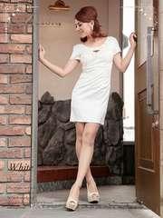 M ドレスワンピース BELSIA ホワイト サテン パール 新品 E1623