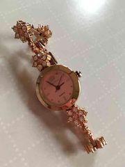 レストローズのキラキラ時計