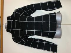 セール値下げ黒×白ラインチェック上品ニットセーターM