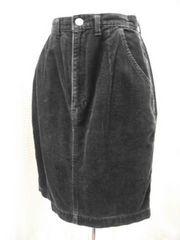 【HALF】黒コーディロイのミニスカートです