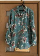 花柄シャツ未使用美品
