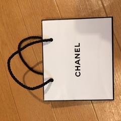 シャネル ショップ袋に CHANEL