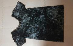 美品 黒 お洒落なTシャツ
