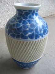 寿峰造 染付花唐草花瓶