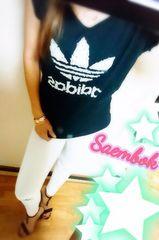 adidas→大好きアメリカンsizeSですが日本でMの少し大きさです