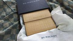バーバリー 本革製二折財布 アイボリー・新品