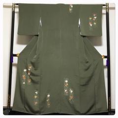 上質 縮緬 正絹 付下げ 身丈158 裄63 深緑 金駒 蝶々模様 袷 中