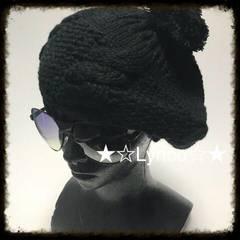 《N043》ボンボン付き編み込みベレー帽♪ブラック