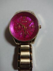 超美品  オシャレが目立つ時計ブランドFOSSILクロノグラフ