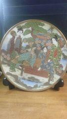 見事にも程がある、盛り絵付けの大皿。極上品。