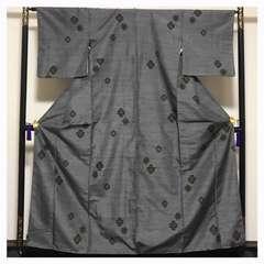 仕付け付き 美品 上質 正絹 紬 袷 グレー 花紋 織り柄 中古品