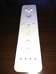Wiiの白のリモコン!