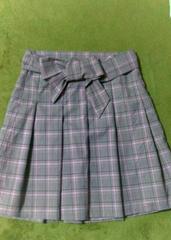 美品 制服風 スカート プリーツ チェック柄 ジルスチュアート 好き エボリューション リボン