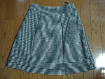 クリアインプレッション かわいい水玉デザインウールスカート