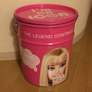 希少 バービー 缶