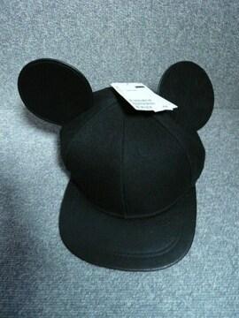H&M「ミッキーの耳付きキャップ」