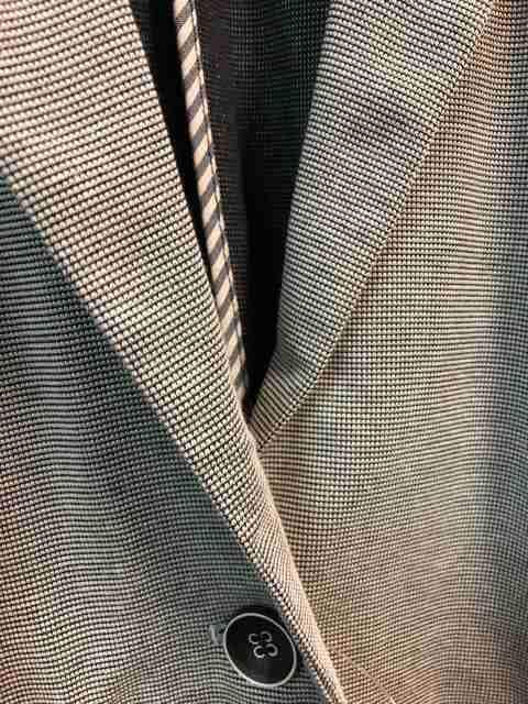新品☆30号5L6L薄くて軽い柔らかジャケット11000円を☆s762 < 女性ファッションの