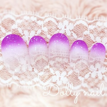 みぢょ!ショートオーバル爽やかホワイト白パープル紫2色グラデーションネイル