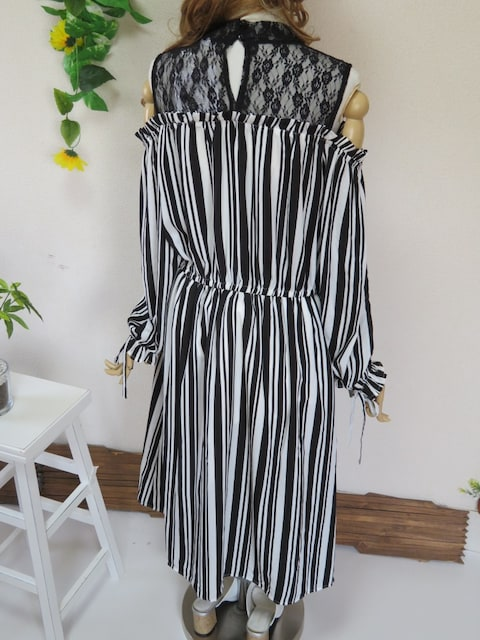 新作◆大きいサイズ4Lブラック×ホワイトストライプ◆一体型チュニワンピ < 女性ファッションの