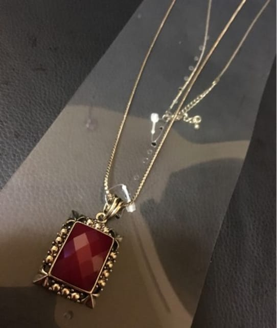 新品ネックレス*ゴールド*赤*レッド*  < 女性アクセサリー/時計の
