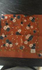 バーバリー赤系花柄ハンカチ