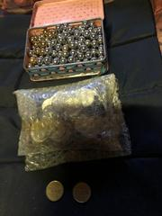 スロットのコインやパチンコ玉