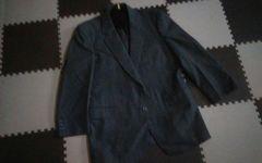 オーダーメイドのスーツ上下の上着
