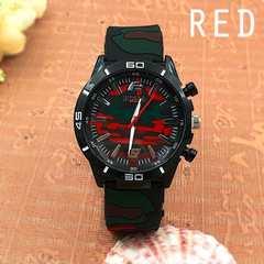 ★迷彩柄ラバーベルトのミリタリーメンズウォッチ メンズ腕時計R