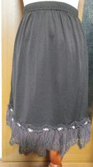 【axes femme】巻きバラ付きエッフェル塔刺繍ペチスカート
