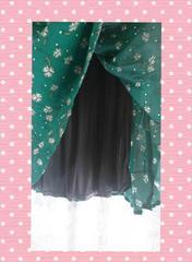 新品、大きいサイズLL3L 小花柄 裏地付ゴム入スカート 緑