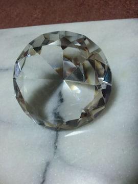 大きなダイヤ風クリスタル置物
