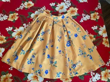 トランテアンソンドゥモード☆綺麗な山吹色☆花柄フレアスカート