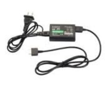 PS Vita 専用 ACアダプター 充電器 PCH-1000 初期不良保証ありa