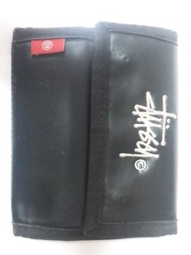 11570/STUSSYステューシー確実本物/三つ折り財布★ブラック☆人気ブランド