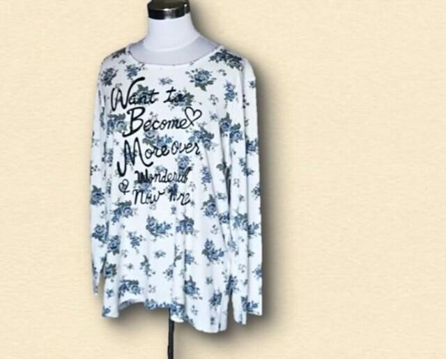 花柄長袖Tシャツ4L  < 女性ファッションの
