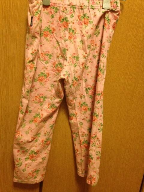 美品☆COMMECAISM☆ピンク花柄6分丈スパッツ150 < ブランドの