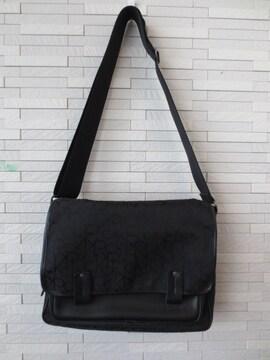 即決/Calvin Klein/メッセンジャーロゴ刺繍ショルダーバッグ/黒