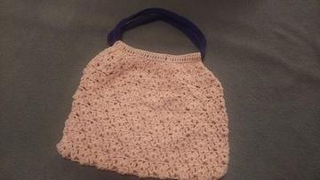 手編みのミニバッグ、ピンク