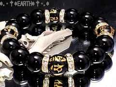 天然石★12ミリ梵字六字真言黒瑪瑙金色ロンデル数珠