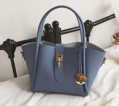 新品上品やわらかPUレザー2Wayトートバッグ&ポーチ2セット青ブルーレディース