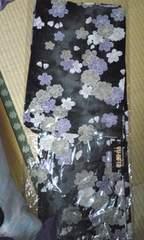 2万円近い高級浴衣!紫や白の桜の柄
